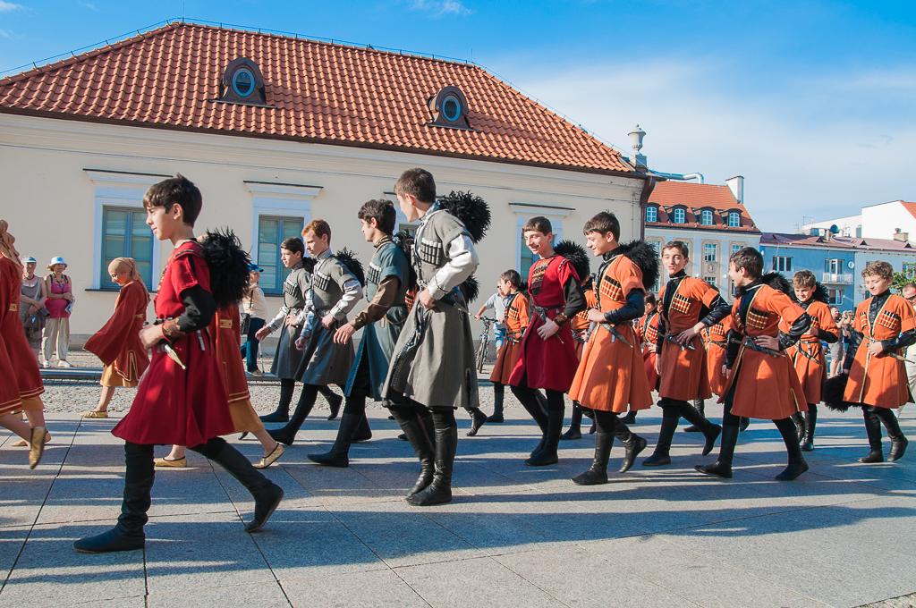bialystok Festiwal Wielu Kultur i Narodow Gruzja Białystok   zachwycający w dzień i w nocy