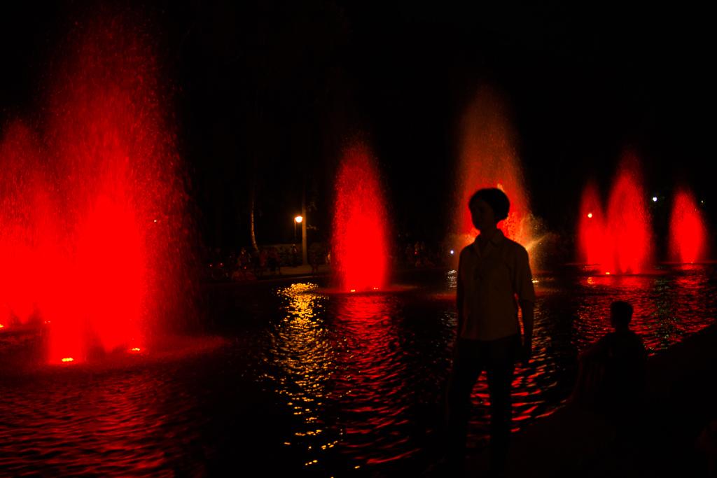 bialystok noca planty fontanny Białystok   zachwycający w dzień i w nocy
