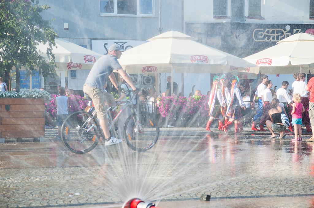 bialystok rynek kurtyna wodna Białystok   zachwycający w dzień i w nocy