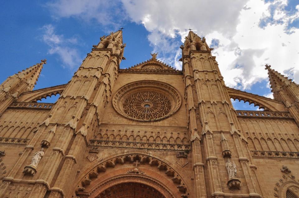 palma de Majorka katedra 960x637 Majowa Majorka