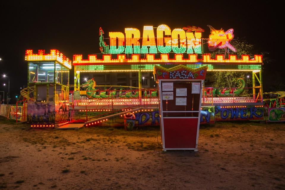 Kielce noca wesole miasteczko Dragon 960x640 Kielce nocą