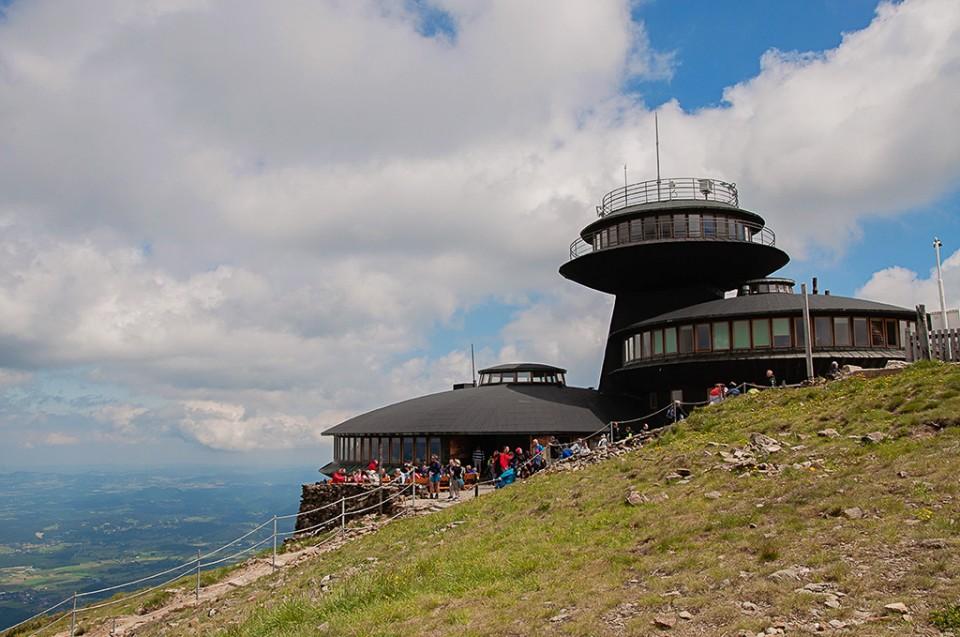sniezka obserwatorium meteorologiczne 960x637 10 miejsc na weekend w Polsce