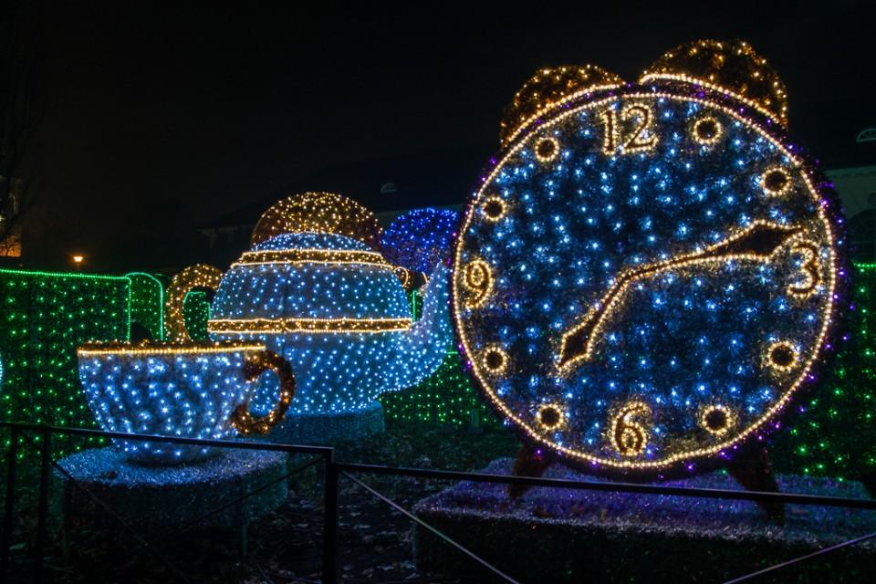 labirynt swiatla Wilanow zegar 960x640 Festiwal światła w  Wilanowie