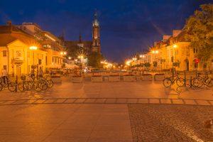 bialystok noca katedra rynek 300x200 Białystok nocą katedra