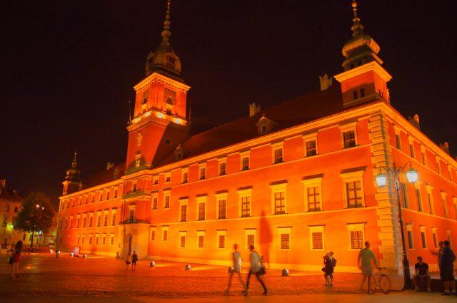 Zamek Królewski Warszawa nocą