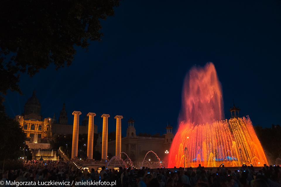 Barcelona Magiczne fontanny nocą