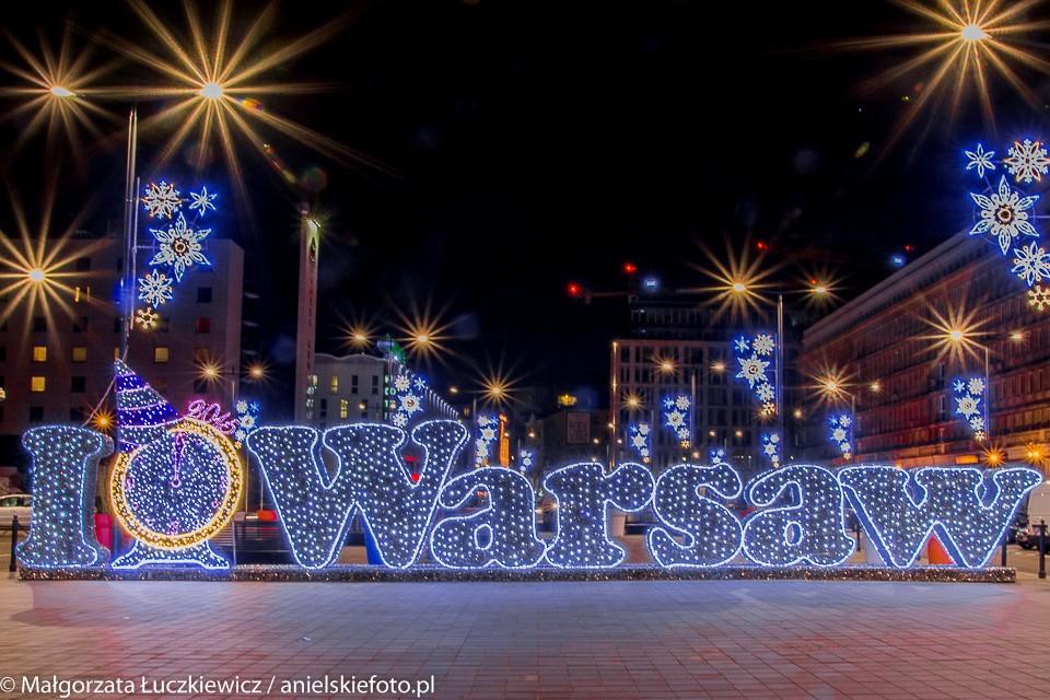 Plac Powstancow Warszawy yellow 960x640 Warszawskie iluminacje świąteczne