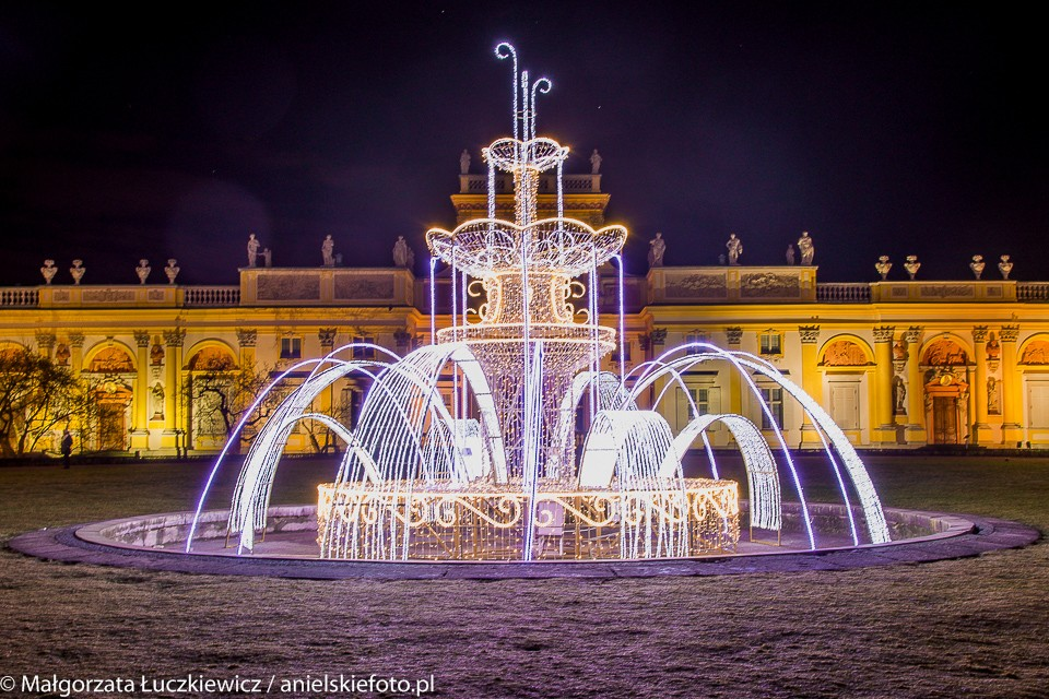 wilanow fontanna palac 960x640 Warszawskie iluminacje świąteczne
