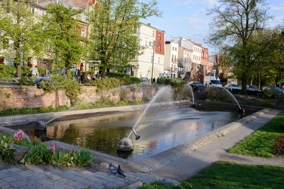 Toruń fontanna Starówka 960x641 Majówka w Toruniu