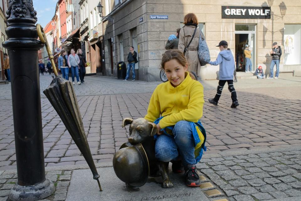 Toruń pominik psa Filusia 960x641 Majówka w Toruniu