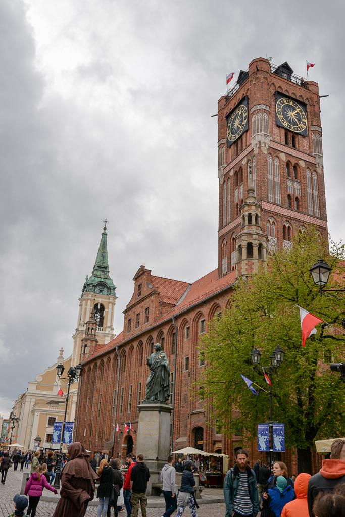 Toruń ratusz pomnik Kopernika Majówka w Toruniu