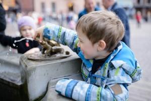 Toruń rynek fontanna 300x200 Toruń rynek fontanna