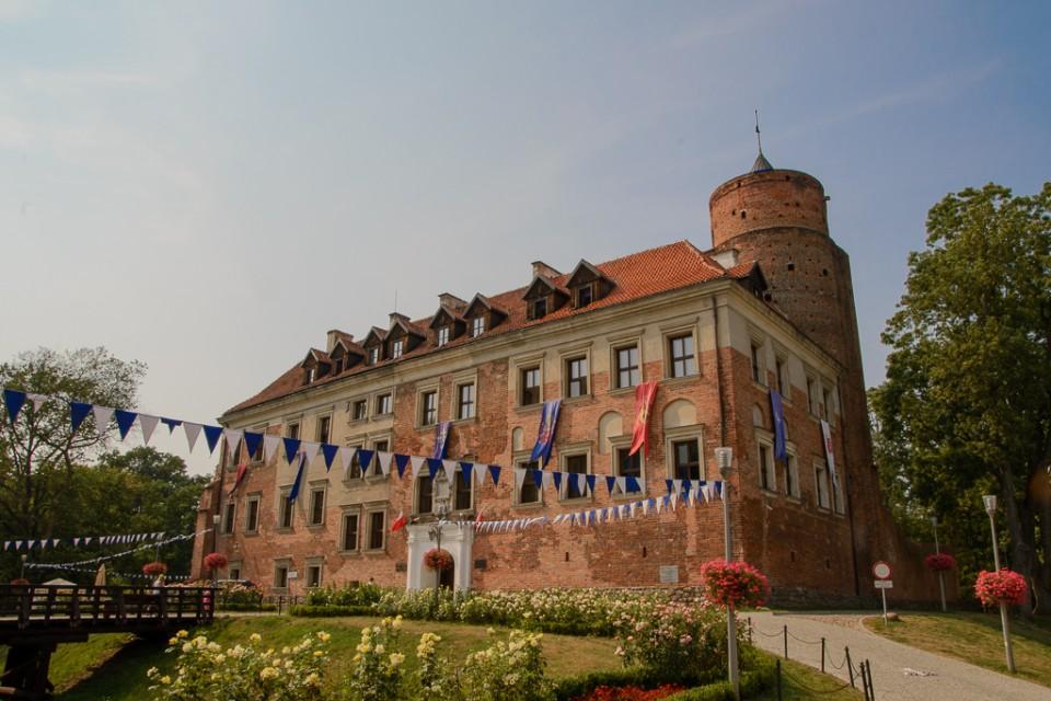 zamek Uniejow 960x640 Uniejów, Rogalin, Poznań