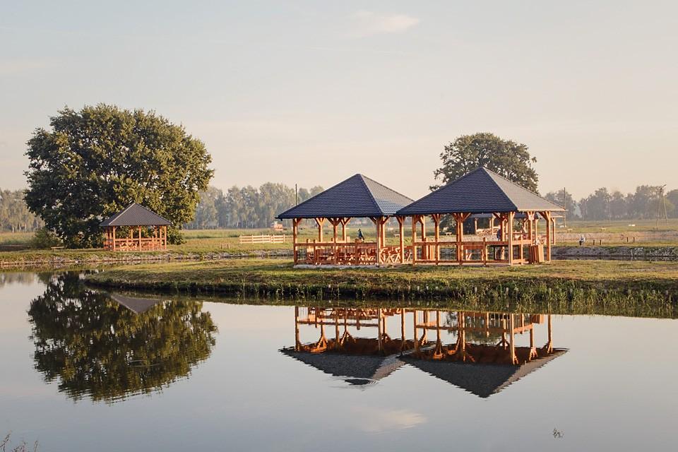stawy milickie wiaty piknikowe 960x640 10 miejsc na weekend w Polsce
