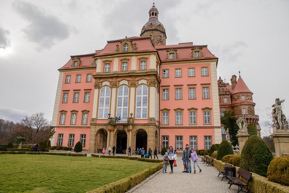 zamek ksiaz przed wejsciem 960x641 Zamek Książ