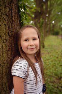 portret dziewczynki powsin 200x300 portret dziewczynki powsin